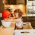 Pomocnik kuchenny biały