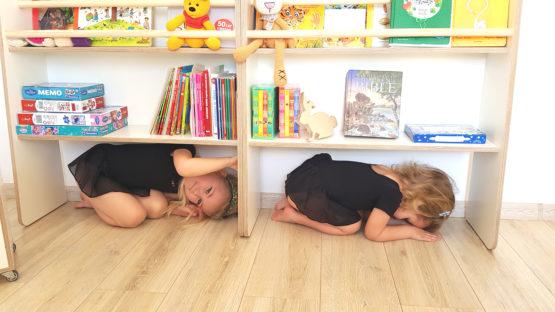 Czytelnia JUUPI regał Montessori